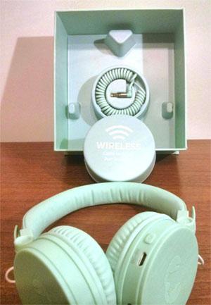 Recensione Cuffie Caps Wireless Headphones immagine