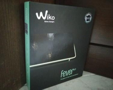 Recensione Wiko Fever 4G confezione