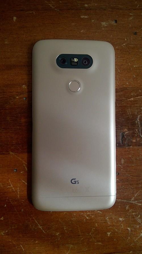LG G5 design posteriore unibody in alluminio