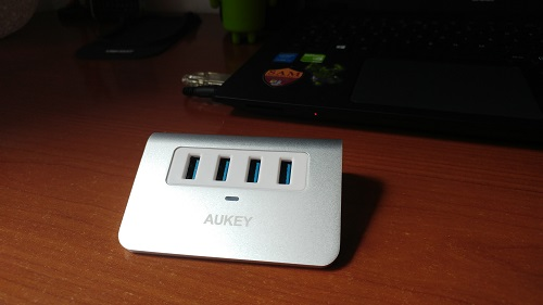 Recensione Hub USB 3.0 Aukey - design e materiali hub usb aukey