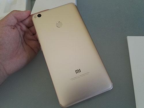 Recensione Xiaomi Mi Max 2 - design