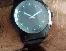 ZeTime Premium smartwatch quadrante classico